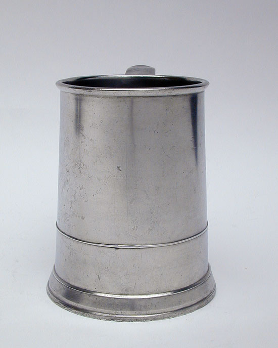 A Handsome Unmarked 18th Century Middletown Quart Pewter Mug