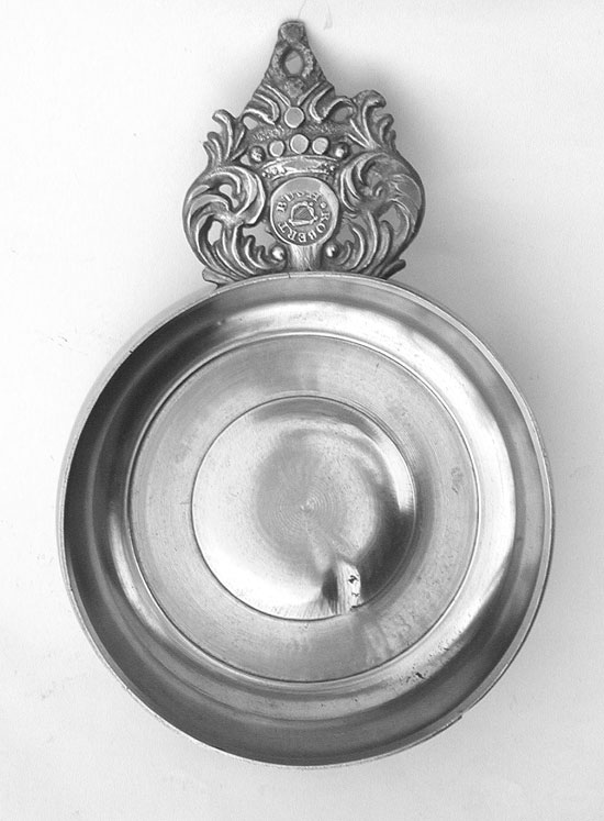 A Near Mint Antique English Export Pewter Crown Handle Porringer by Robert Bush