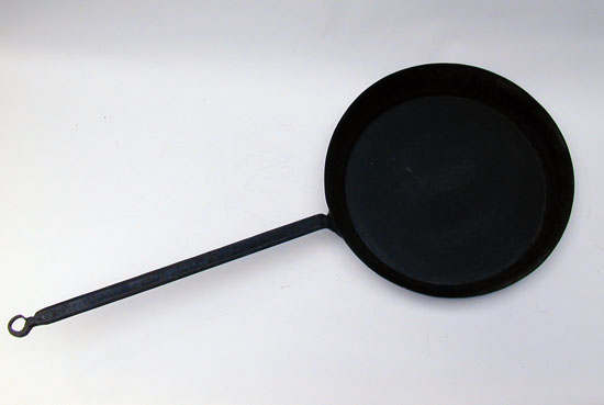A Size 12 Whitfield Fry Pan